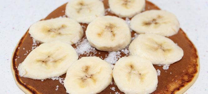 Palačinky s banánem a kokosem